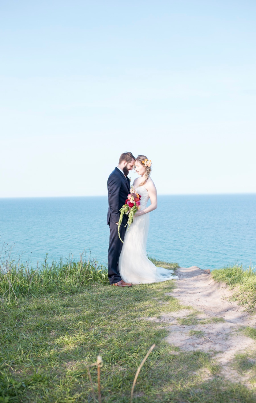 14-wedding-photographer-milwaukee-twin-lens-modern