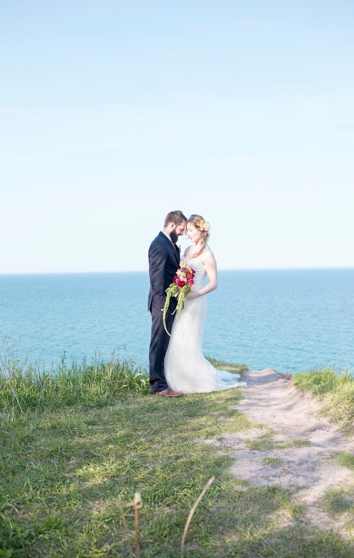 14-wedding-photographer-milwaukee-twin-lens-modern
