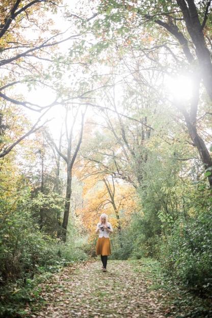milwaukee-wedding-photographer-autumn-apple-orchard-12