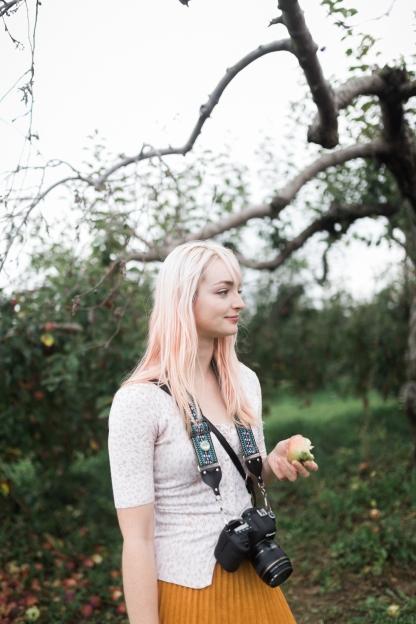 milwaukee-wedding-photographer-autumn-apple-orchard-3