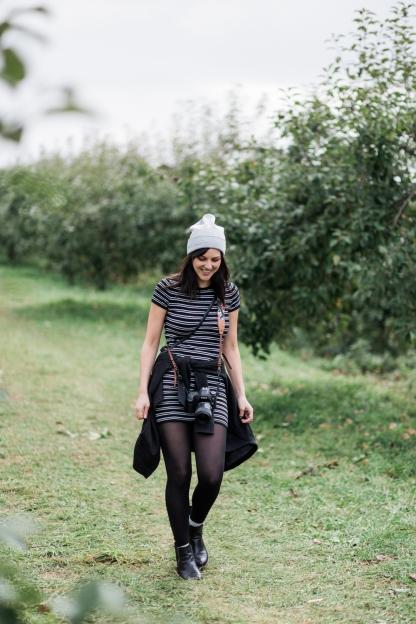 milwaukee-wedding-photographer-autumn-apple-orchard-52