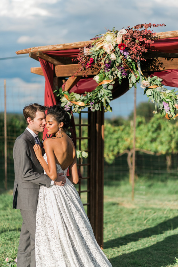 spicewood-vineyards-wedding-photographer-austin-photography-3-of-cups-floral-design-55